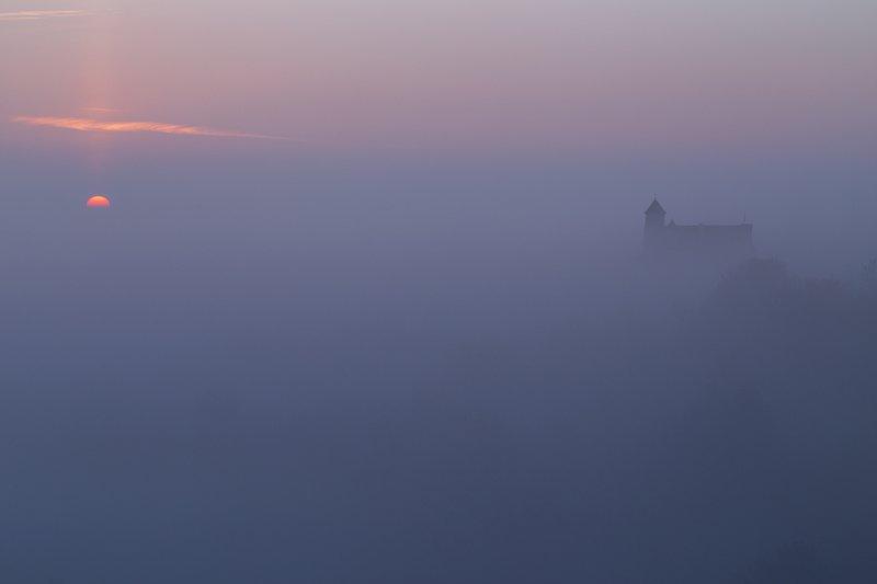 bobolice castle, morning fog, mgła, poranek w bobolicach, wschód słońca, sunset, landscape, rydzewski,poland, polska, jura krakowsko-czestochowska, bobolice Bobolice Castle in the morningphoto preview