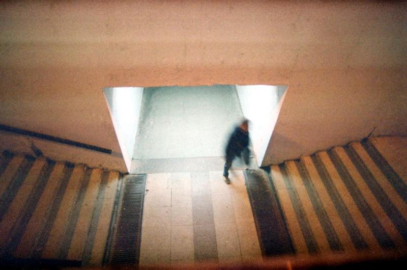 город, улица, человек  выходphoto preview