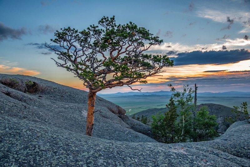 горы Вечер  в  Кенте.photo preview