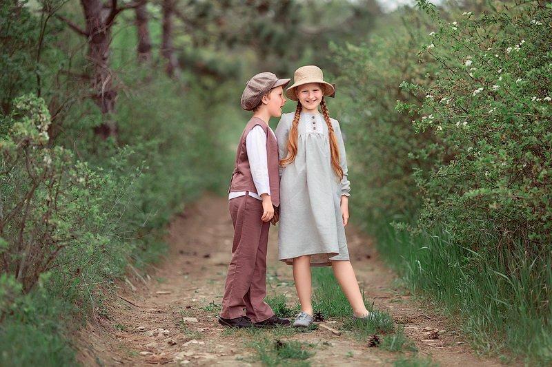 девочка и мальчик,  детская и семейная фотосессия, детский и семейный фотограф, радость, восторг, счастье, фотосессия, маленькие дети, детское фото, детский фотограф, детское фото, детская фотосессия, брат и сестра, лес, весна, лето, детки, восторг Секрет...photo preview