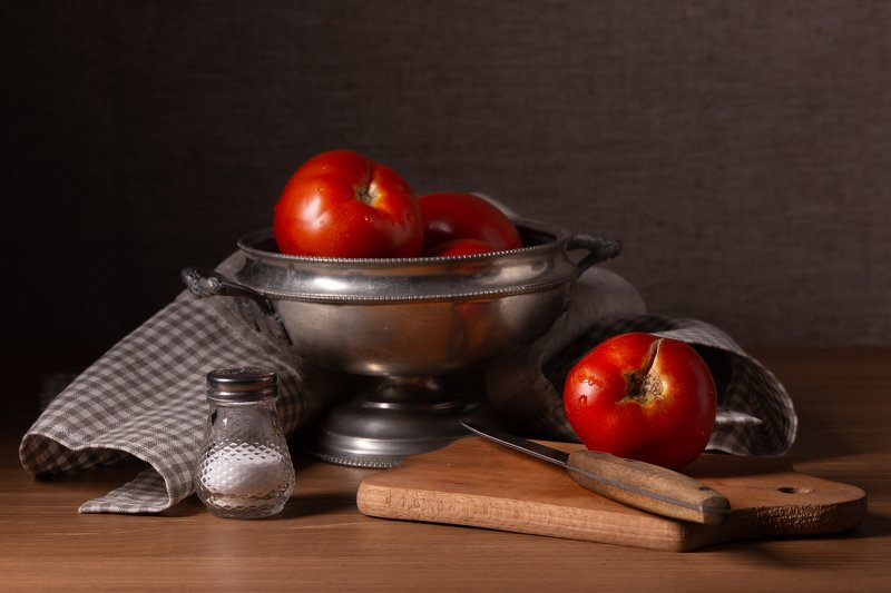 Still life with tomatoesphoto preview