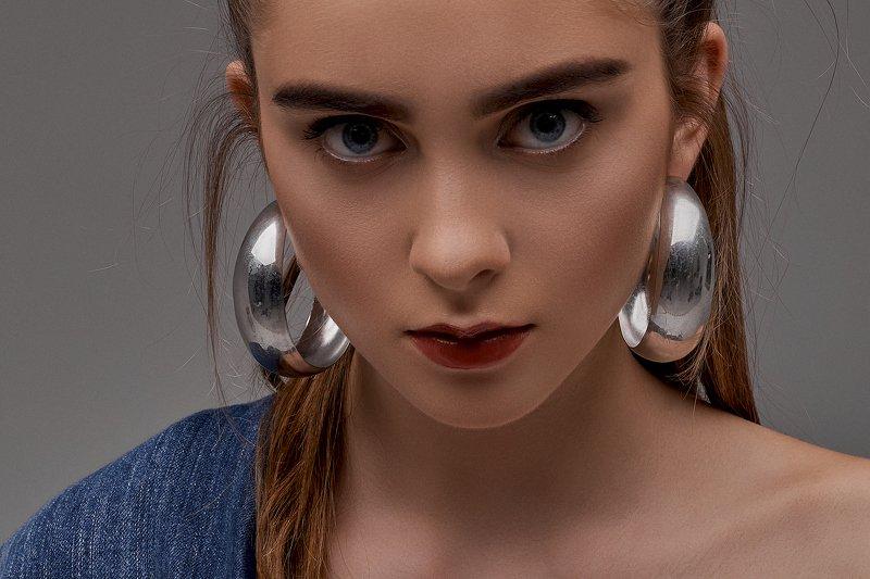 портрет девушка студия модель Александраphoto preview