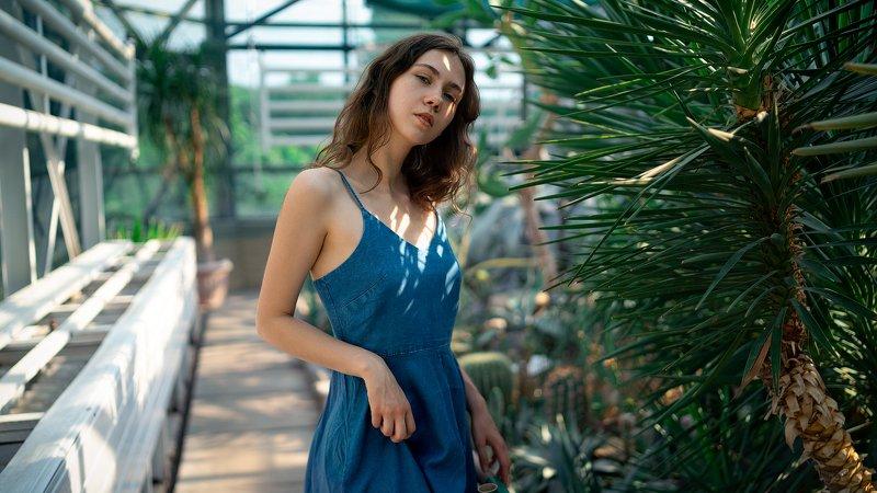 портрет, девушка, нежность, зелень, весна, лето, киев, ботанический сад, жара, тропики Красота в глазах смотрящегоphoto preview