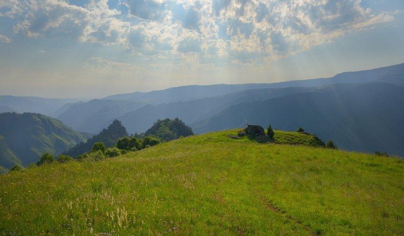 горы лето кавказ кбр Тропинка в горахphoto preview