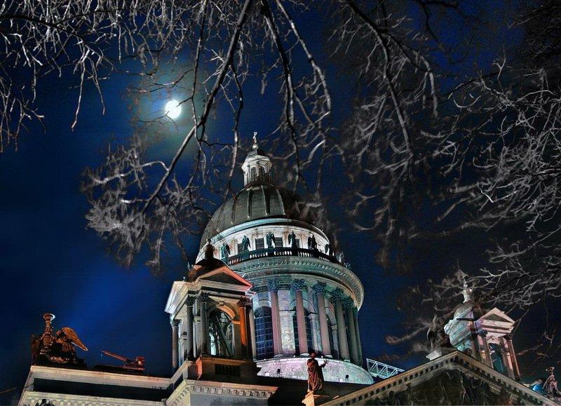 санкт-петербург, питер, россия Ночной Исакий под сияющей лунойphoto preview