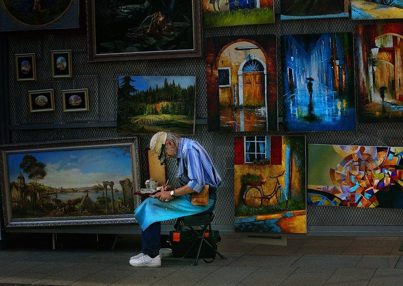 цвет, город, уличная фотография, люди, художник Про художниковphoto preview