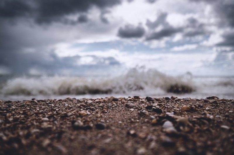 дождь море волны пейзаж природа галька боке Rain on the horizon.photo preview