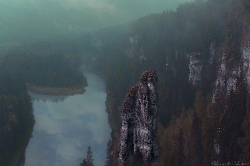 россия, урал, тайга, лес, скала, природа, утро Чертов палецphoto preview