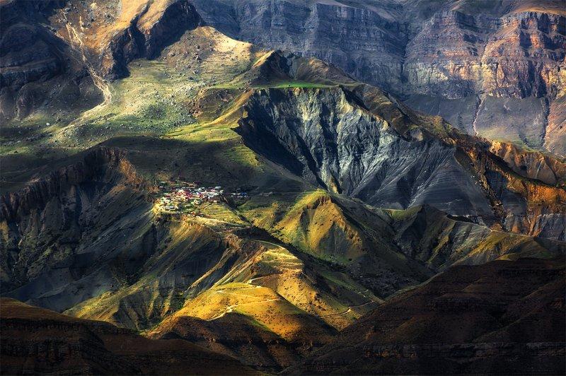природа, пейзаж, горы, кавказ, природа россии, дикая природа, закат, свет, облака, вечер, весна, Живут же люди...photo preview