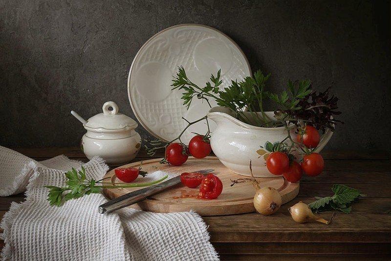 натюрморт, посуда, овощи, помидор, томат со вкусом помидорокphoto preview