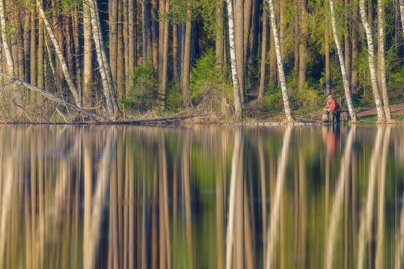 Рыбалка в спокойной водеphoto preview