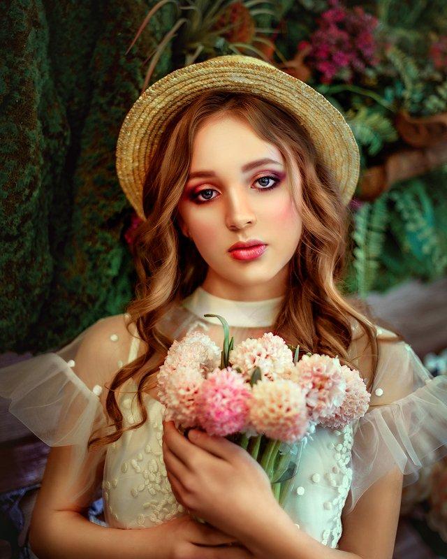 портрет, девушка, шляпка, лето, цветы, красная помада, portrait, face, girl, woman, summer, flowers, yellow, red photo preview