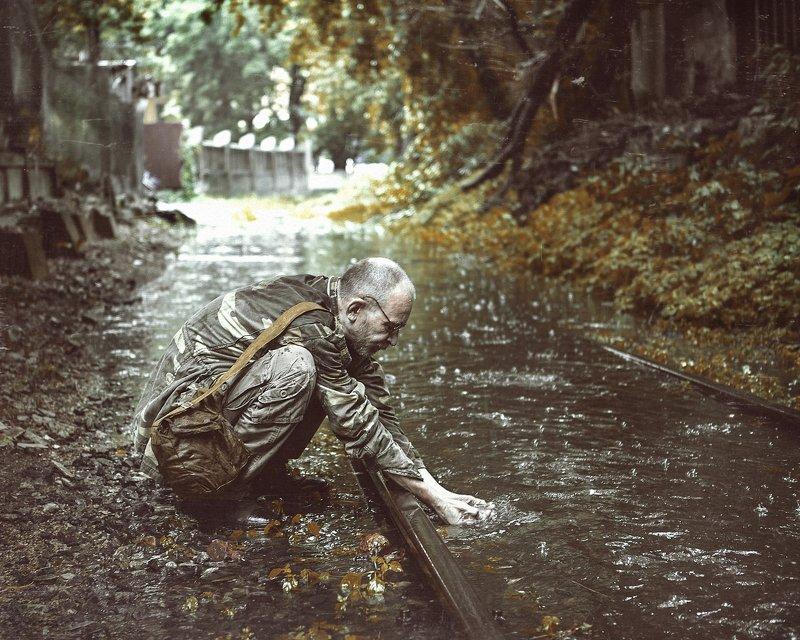 сталкер дождь зона рельсы Сталкерphoto preview