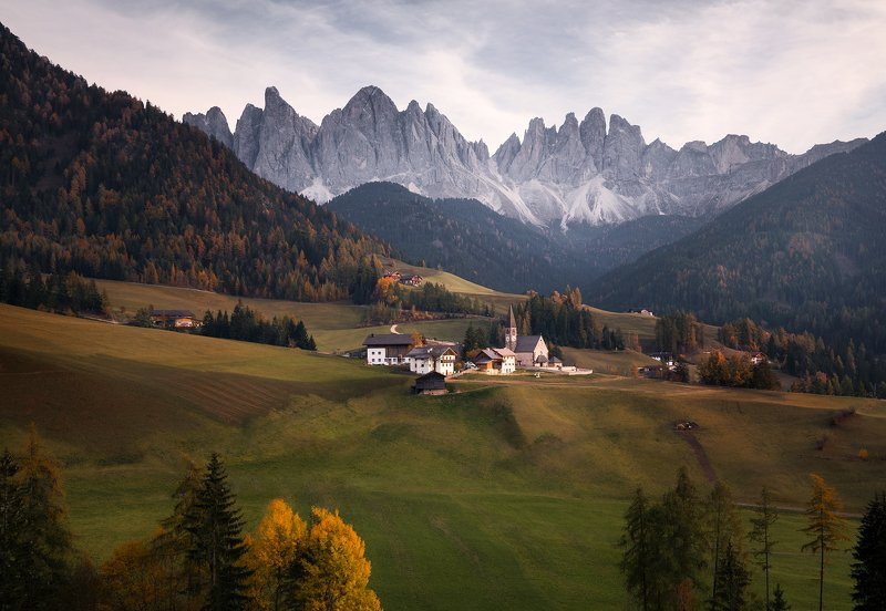mountains, peaks, amazing Santa Magdalena - Italyphoto preview
