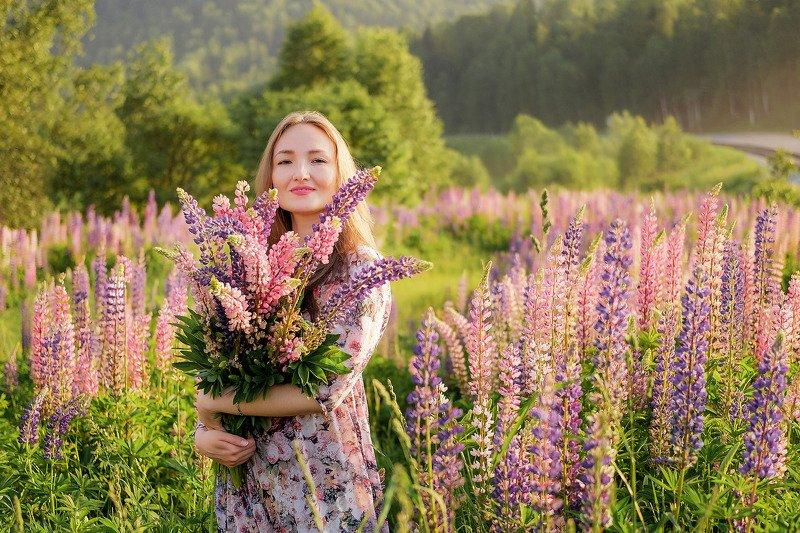 портрет, цветы, девушки  В закатно свете! photo preview