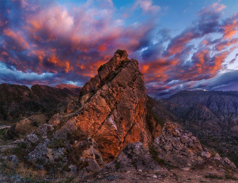 скалы, природа, пейзаж, россия, кавказ, горы, рассвет, небо Скала в огнеphoto preview