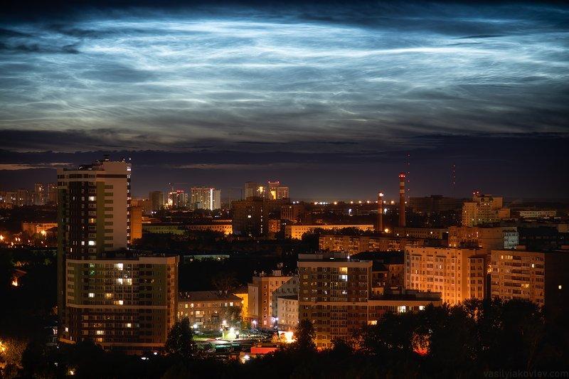 екатеринбург, город, ночь Серебристые облака над Екатеринбургомphoto preview