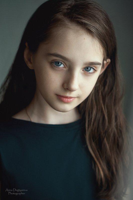 portrait, girl, model, eyes, hair, lips, face, beauty, facial, make-up, photographer, russia, nikon Alicephoto preview