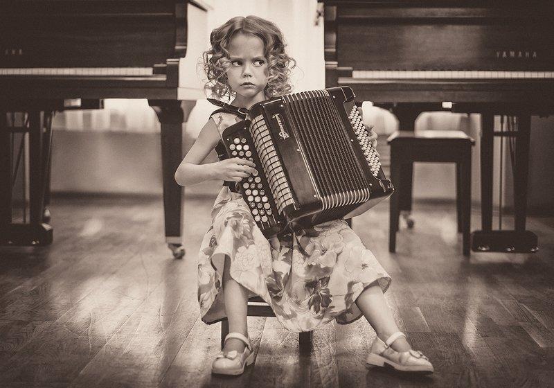 девочка баян музыка Баянисткаphoto preview