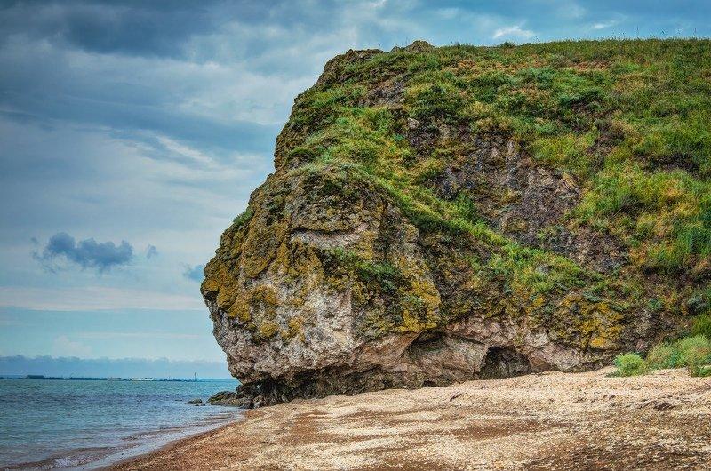 черное море, керченский пролив, каменный лев, скалы. бухта, керчь, крым, россия Дремлющий лев.photo preview