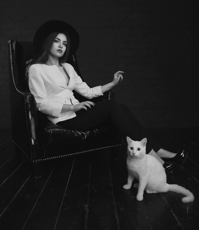 woman, girl, cat, black and white, girl and cat, white cat Catsphoto preview
