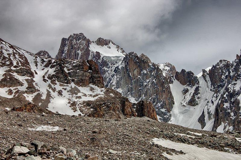 кыргызстан, горы Коронаphoto preview