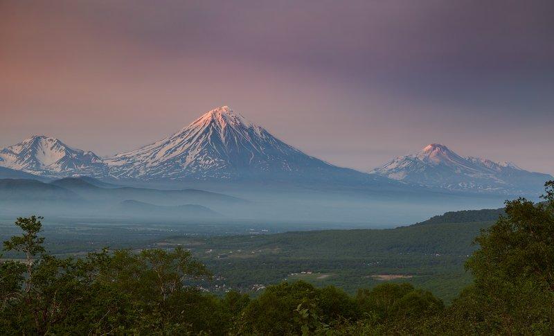 Камчатка, вулкан, закат, Корякский, Авачинский  Лето на Камчатке наступилоphoto preview