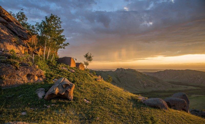 горы Последние  лучи  света.photo preview