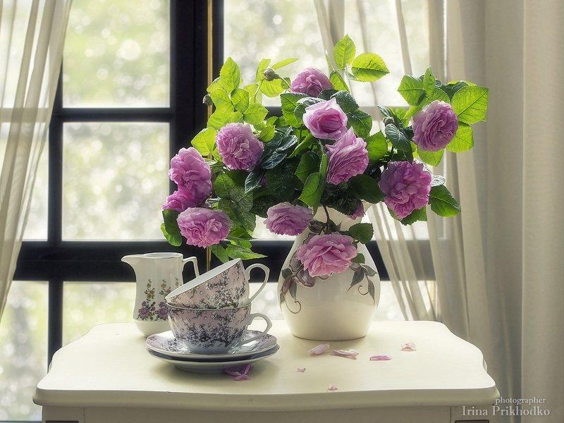 натюрморт, лето, утро, букет, розы, чайный столик, интерьер Ванильное утроphoto preview