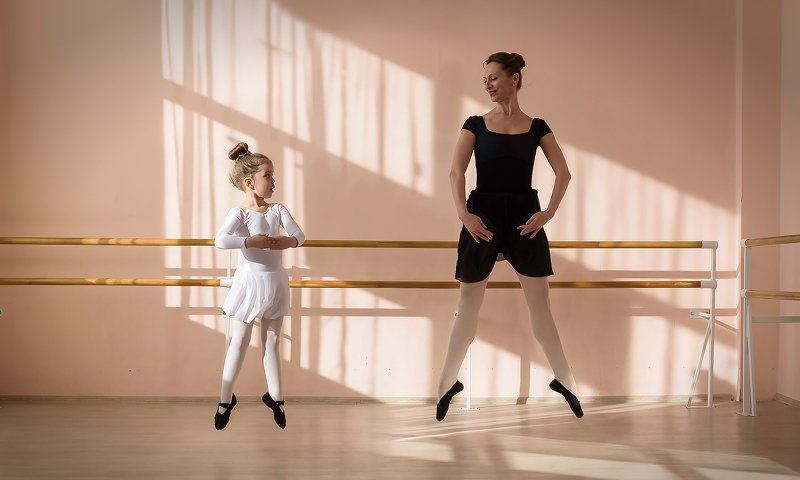 ballet балет синхронизация synchronization синхрон учитель teacher ученик pupil балерина ballet dancer Синхрон Synchronphoto preview