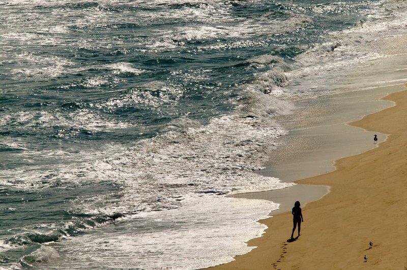 перспектива у воды Girls on the Beachphoto preview