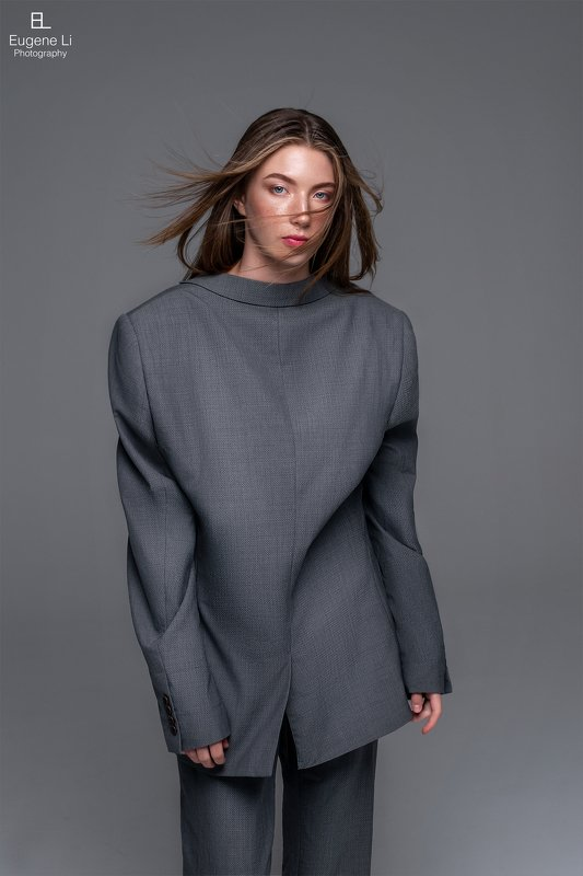 девушка, фэшн Upside-down Fashionphoto preview
