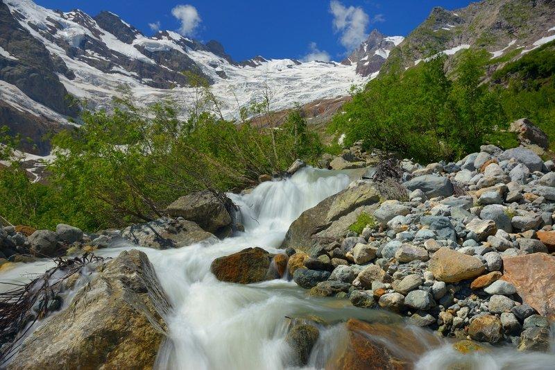 горы лето кавказ алибек ручей Бурный потокphoto preview