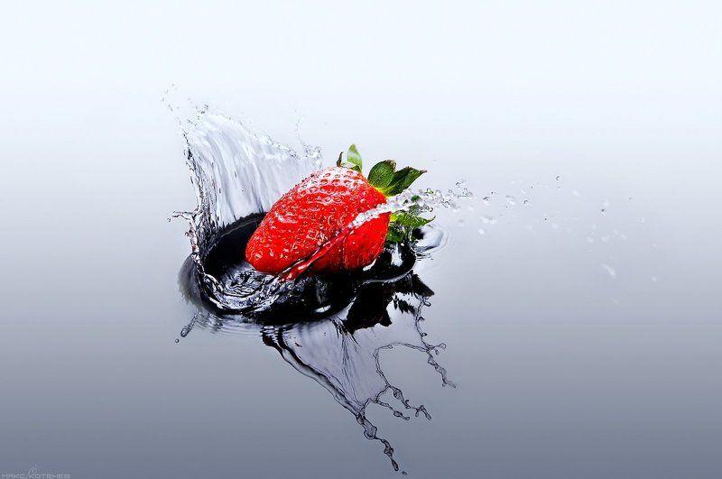 брызги, вода, ягоды, клубника photo preview