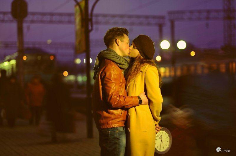 время, жизнь, поцелуй, любовь, город, вокзал, девушка, парень, ночь stop timephoto preview