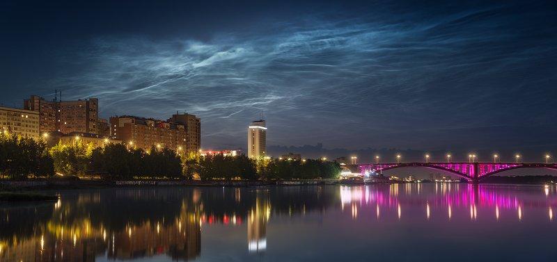 пейзаж, природа, город, небо, облака, серебристые, ночь, панорама, река, енисей, красноярск, мост, подсветка, набережная, отражение, архитектура, широкий, большой, красивая, свет Серебристые облакаphoto preview