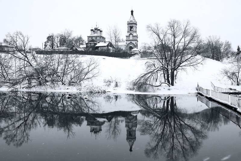 холод, отражение, храм  \
