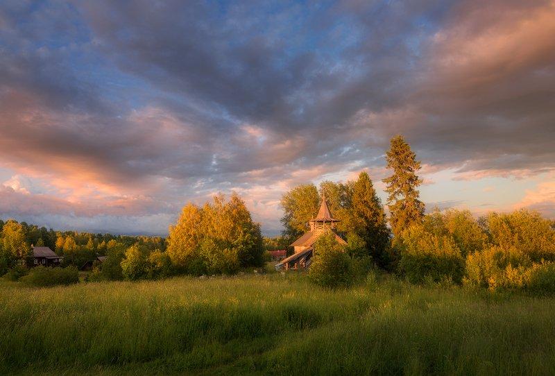 лето, вечер, деревня, глубинка, россия, часовня, церковь, небо, облака, Время двигалось к закатуphoto preview