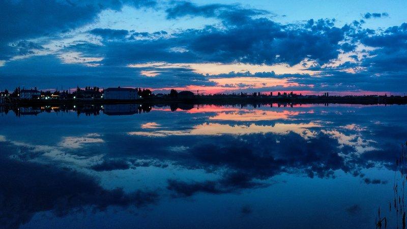 вечер,пейзаж,небо,отражение,облака,закат, Вечер на Арабаткеphoto preview