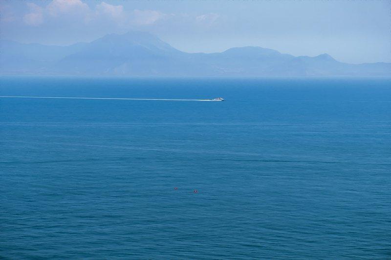 неаполитанский залив, остров капри,пейзаж, море Остров Капри в туманеphoto preview