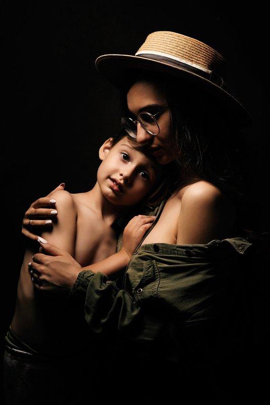 мама, сын, дети, ребенок, портрет, взгляд, семейное фото Мать и дитяphoto preview
