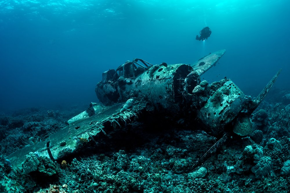 подводное фото затонувших кораблей реки