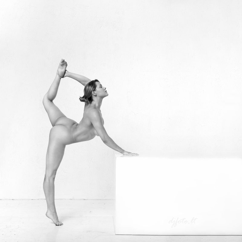 djfoto, nude, nude art, blackwhite nudes, Vilnius, nudevilnius Light&Easyphoto preview