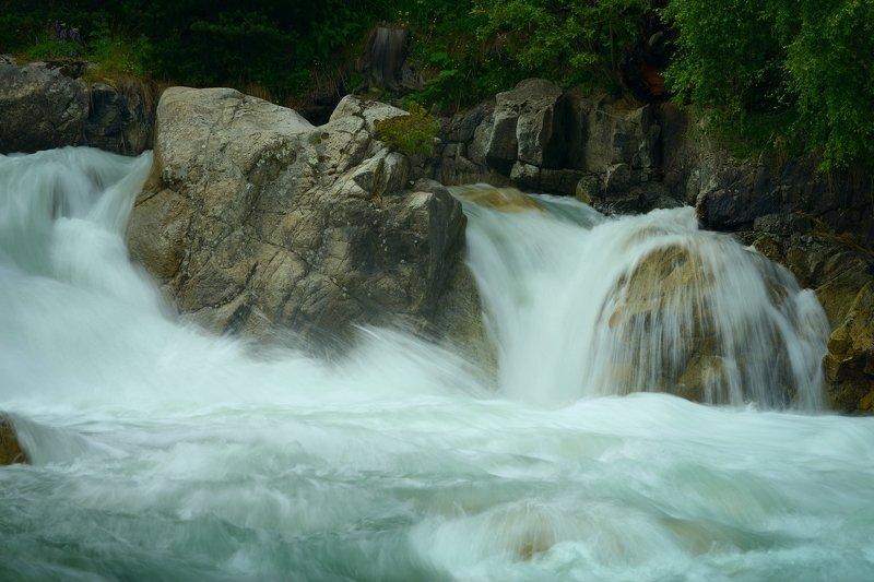 горы лето кавказ река водопад маруха Бурный поток 2photo preview