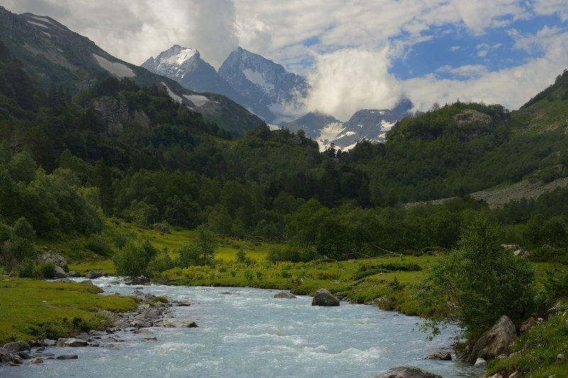 горы лето кавказ река маруха Урочище Медвежья пасть,Марухское ущельеphoto preview