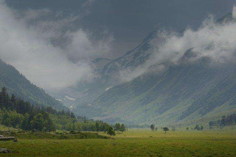 горы лето кавказ маруха Перед грозойphoto preview