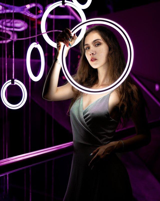 модель, фиолетовый, пурпурный, девушка, свет, круговой, клуб, ночь, ретушь, сарафан, круги, отдых, вечеринка, отель Моя иконаphoto preview