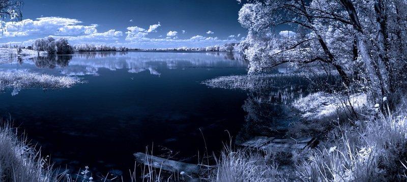 infrared,ик-фото,инфракрасное фото, инфракрасная фотография, пейзаж, весна, беларусь В озере купались отражения.photo preview