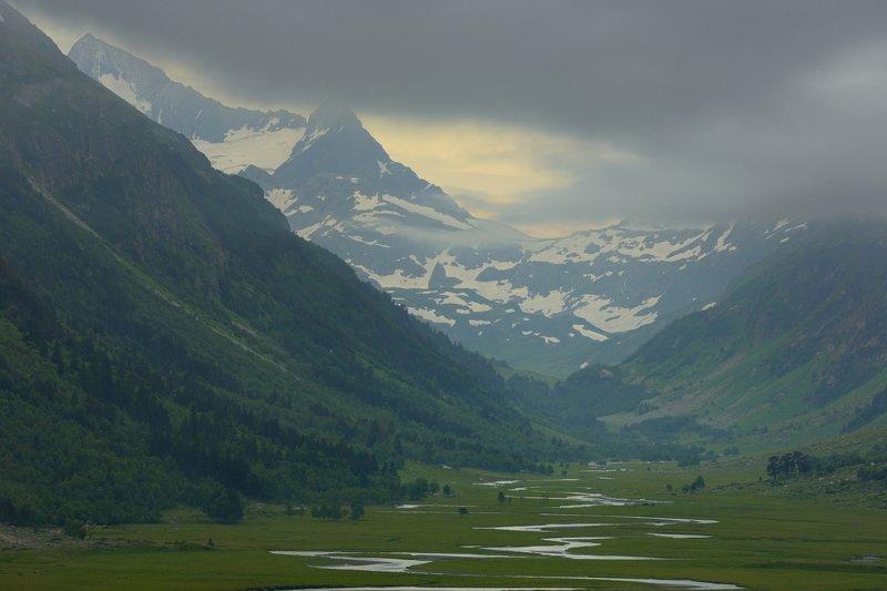 горы лето кавказ марухский перевал Утро в горахphoto preview