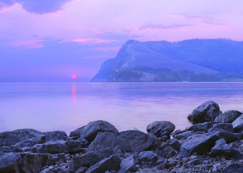 Восход красного солнца.photo preview